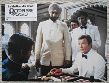Octopussy, French Press Photo, James Bond plays Backgammon, '83 (JB30)